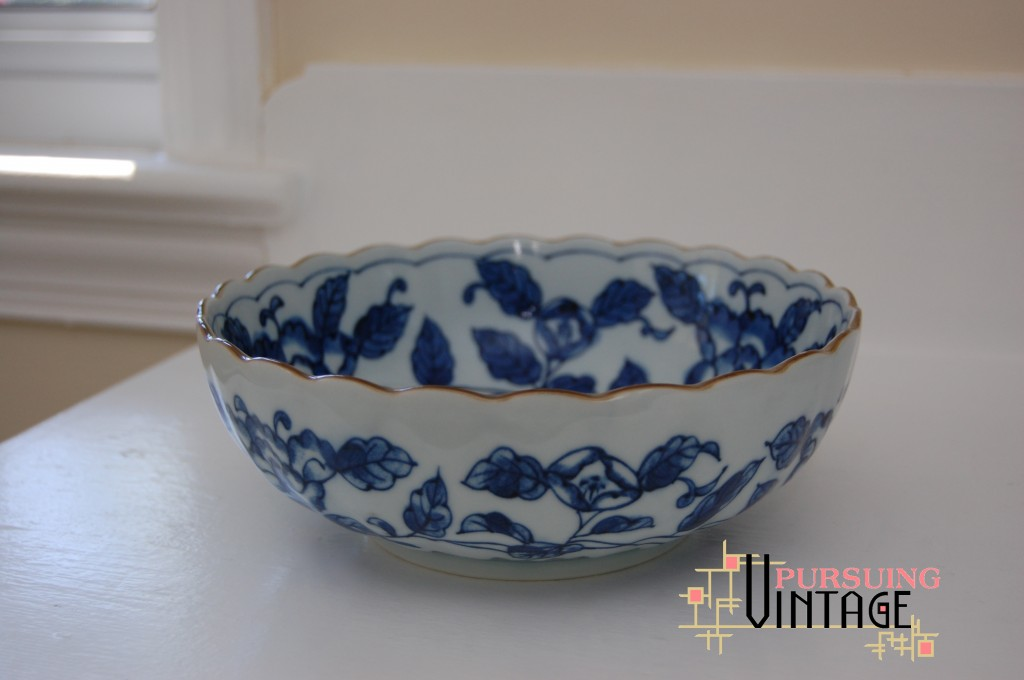 Blue & White Porcelain Scalloped Bowl