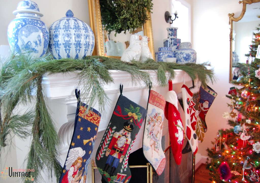 Pursuing Vintage Holiday Home Tour : Stockings