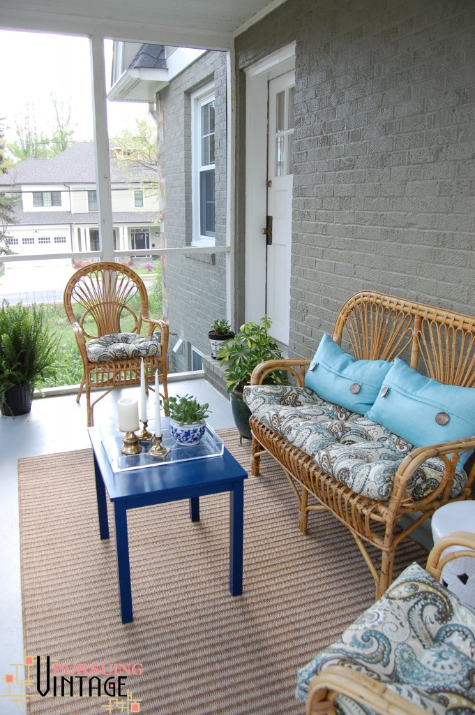 Pursuing Vintage : Screen Porch Makeover with Vintage Accessories