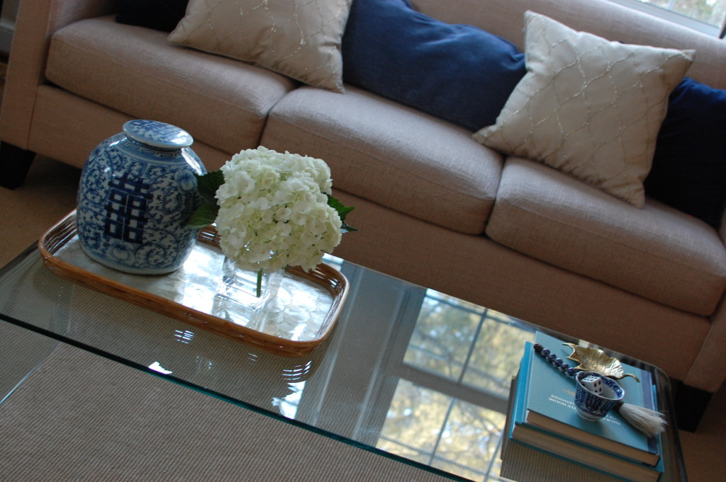 Coffee table styling / Asian blue & white / Pursuing Vintage