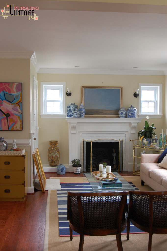 Living Room with Landscape Painting : Pursuing Vintage