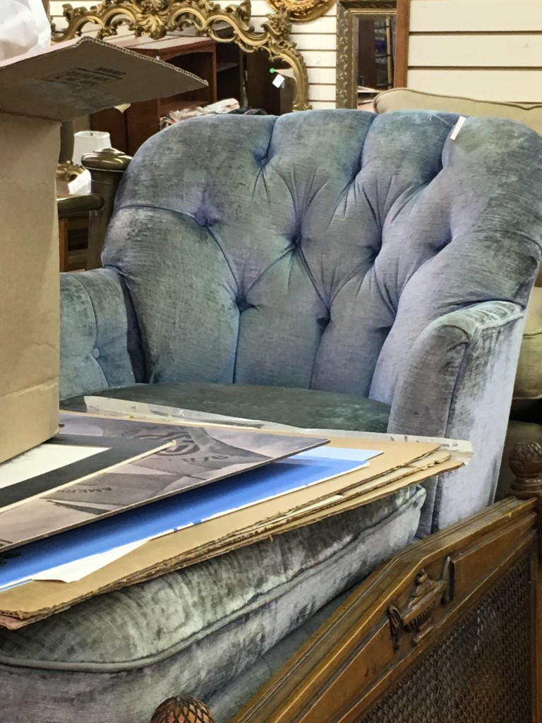 Blue Chaise / Weschler's / Pursuing Vintage
